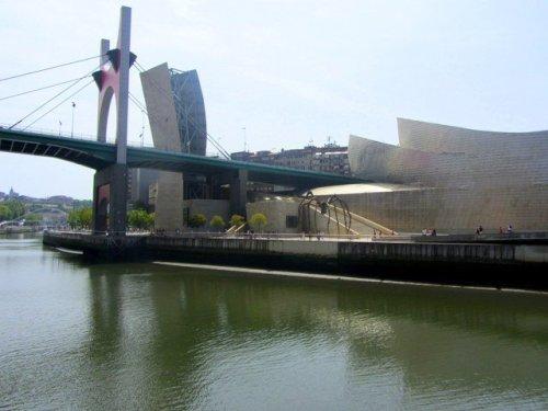 Araña bilbaína fuera del Museo Guggenheim